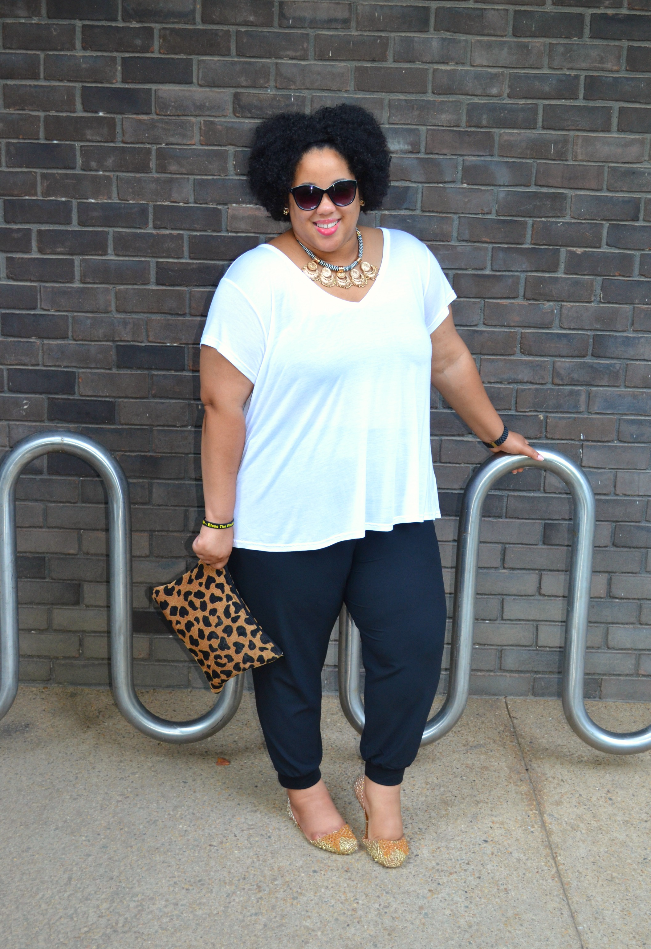 black and white casual outfit whitney black white40 white