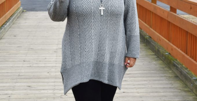 Personal Style | Grey Sweater and Black Leggings